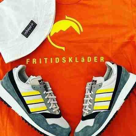 Fritidsklader orange t shirt, Adidas Meanwood bucket hat and Adidas Ashurst SPZL combo