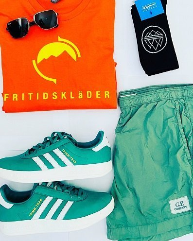 Fritidsklader orange tee, Adidas Trimm Trabs, C P Company and Ray Ban sunglasses