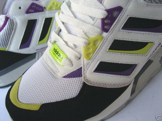 Football Casual Trainers Adidas Torsion