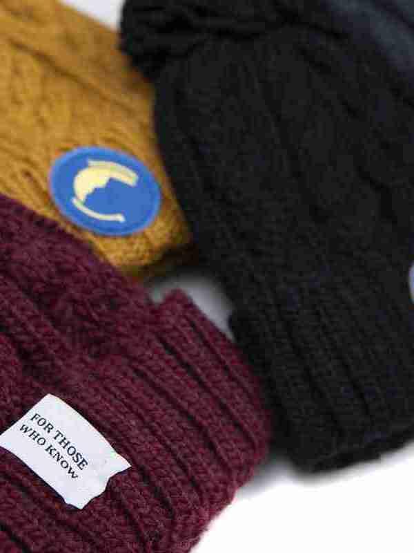 Fritidsklader bobble hats in navy blue, mustard, burgundy and black