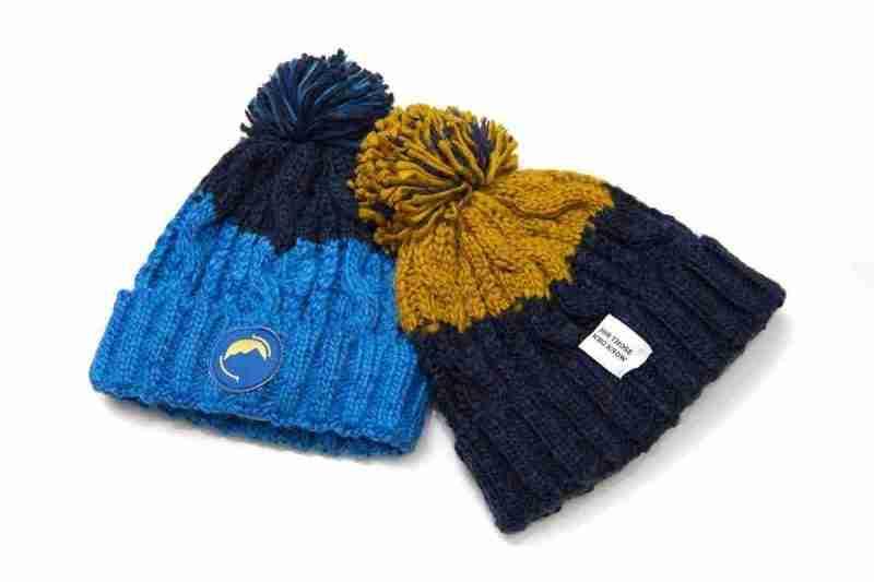 Fritidsklader two-tone bobble hats